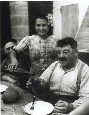 Vigneron de Cavignac, Gironde, 1945